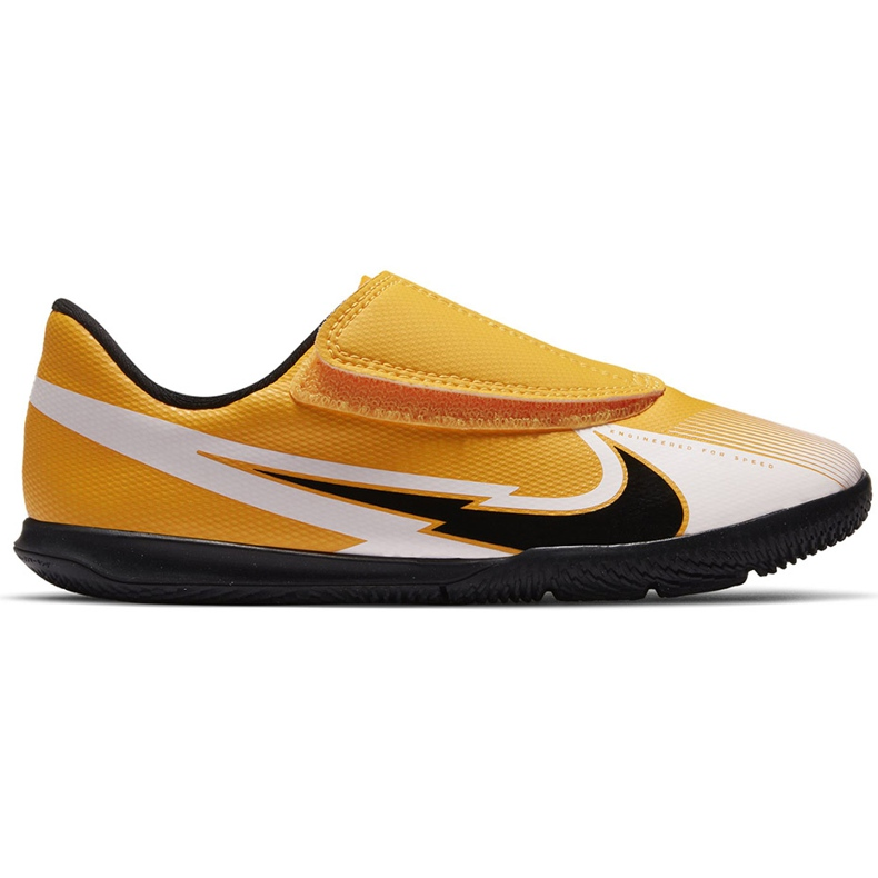 Chuteiras Nike Mercurial Vapor 13 Club Ic PS (V) Junior AT8170 801 branco preto laranja