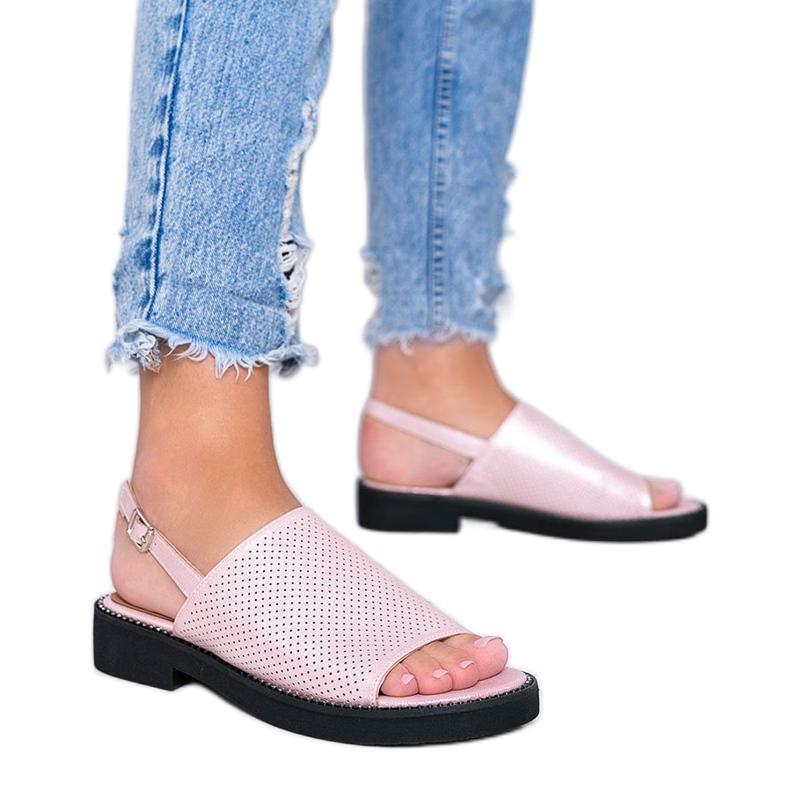 Sandálias rosa de salto baixo da Betsy -de-rosa