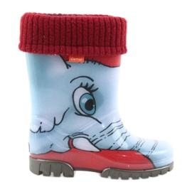Botas infantis de Demar com uma meia azul cinza vermelho