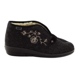 Chinelos de sapatos femininos Befado com pêlo 031d028 cinza