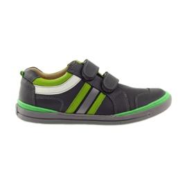 Sapatos com um elemento reflexivo Bartuś