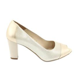 Sapatos bombeados Gamis 1525 gold amarelo