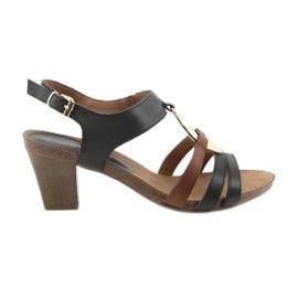 Sandálias das mulheres Caprice ouro oval