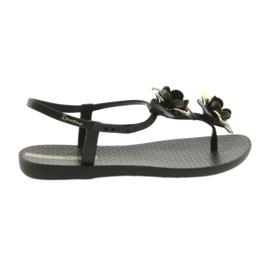 Sapatos femininos Ipanema com flores 82662
