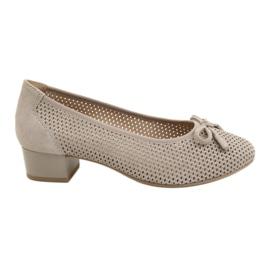 Sapatos femininos Caprice 22501 bege dourado