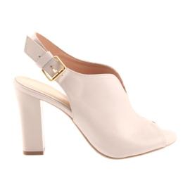 Sandálias no post Espinto 195 pó rosa -de-rosa