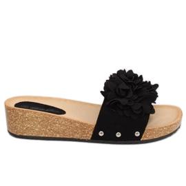 Chinelos com flores negras S63 Preto
