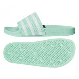 Chinelos Adidas Originals Adilette em CG6538 verde