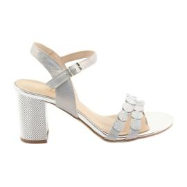 Sandálias prateadas das mulheres Gamis 3658