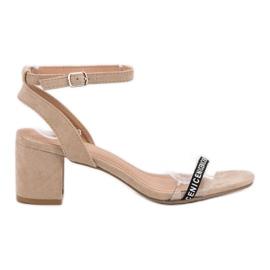 Ideal Shoes marrom Sandálias de camurça elegantes
