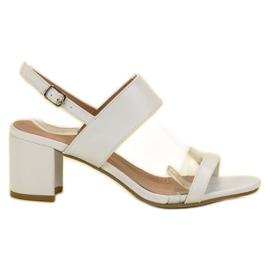 Ideal Shoes branco Sandálias das mulheres na moda