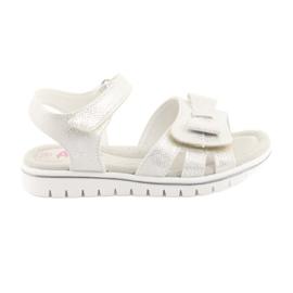 Sandálias de pérolas brancas American Club GC25