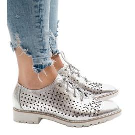 Cinza Sapatos openwork de prata com tachas G-106-2