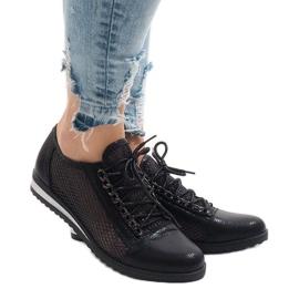 Sapatos pretos a céu aberto TL44