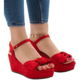 Vermelho Sandálias de cunha vermelha com arco F055