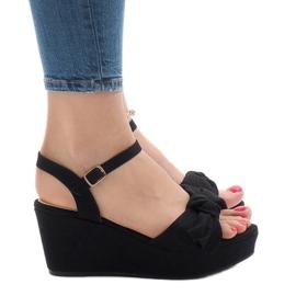 Sandálias de cunha preta com arco F055 preto