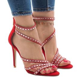 Sandálias vermelhas em um pino 9081-9 vermelho