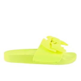 Chinelos amarelos com um arco de néon MU-6