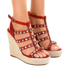 Sandálias vermelhas na cunha de palha 9529 vermelho