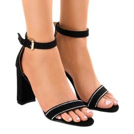 Sandálias pretas no post com lantejoulas A8020 preto