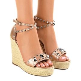 Sandálias de camurça de cobre na cunha 100-863SC