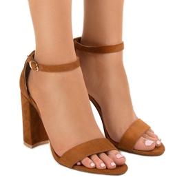 Sandálias elegantes castanhas no poste LA-106 marrom