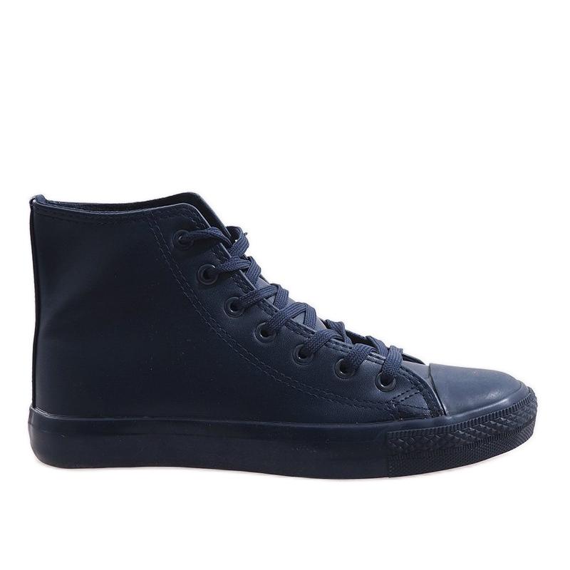 Clássico e atemporal: as sapatilhas estão em alta, e vão