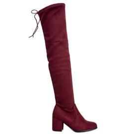 Ideal Shoes Coxas de camurça vermelho