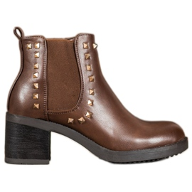 Top Shoes Botas Com Studs marrom