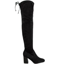 Filippo Botas elegantes sobre o joelho preto