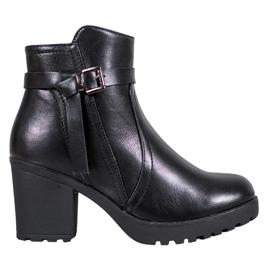 J. Star Botins confortáveis de tornozelo de plataforma preto