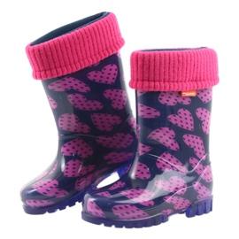 As botas de chuva infantil Demar aquecem os corações de meia rosa azul marinho 4
