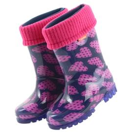 As botas de chuva infantil Demar aquecem os corações de meia rosa azul marinho 3