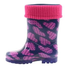 As botas de chuva infantil Demar aquecem os corações de meia rosa azul marinho 2