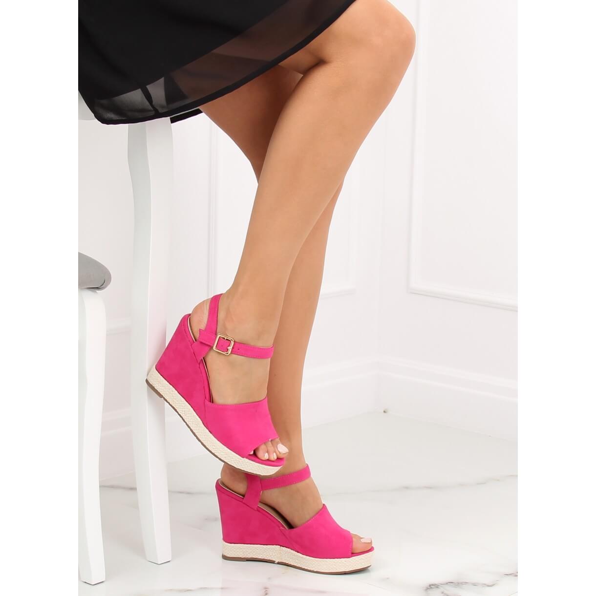 sapatos de salto fuschia
