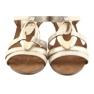 Sandálias das mulheres Caprice com embelezamento 28308 oval ouro amarelo 5