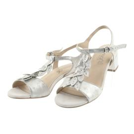 Sandálias confortáveis em prata Caprice cinza 3