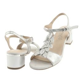Sandálias confortáveis em prata Caprice cinza 4
