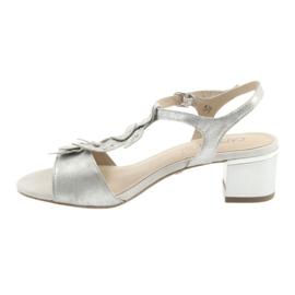 Sandálias confortáveis em prata Caprice cinza 2