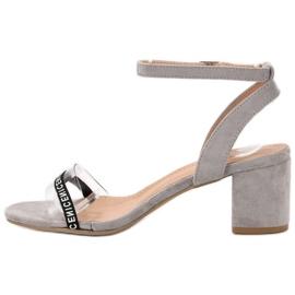 Ideal Shoes Sandálias de camurça elegantes cinza 3