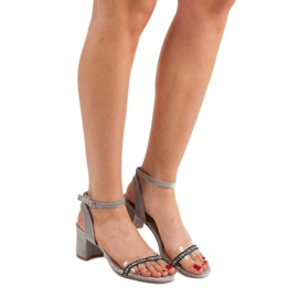 Ideal Shoes Sandálias de camurça elegantes cinza 5