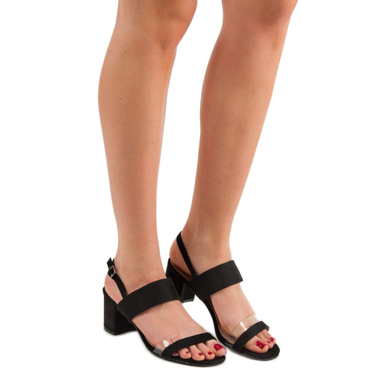 Ideal Shoes preto Sandálias das mulheres na moda retrato 1