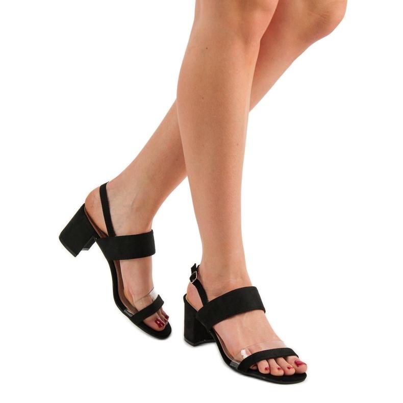 Ideal Shoes preto Sandálias das mulheres na moda retrato 2