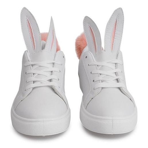 Sapatilhas brancas com orelhas de coelho branco