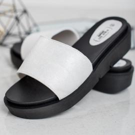 SHELOVET Sandálias de cunha branco 2