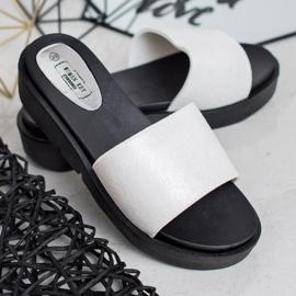 SHELOVET Sandálias de cunha branco 3