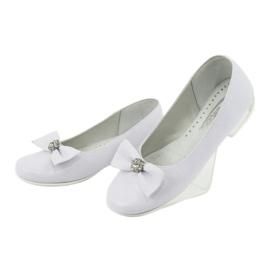 Bombas de bailarinas de comunhão brancas Miko 800 branco 3