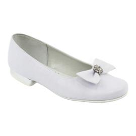 Bombas de bailarinas de comunhão brancas Miko 800 branco 1