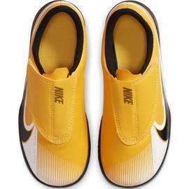 Chuteiras Nike Mercurial Vapor 13 Club Ic PS (V) Junior AT8170 801 branco preto laranja 1