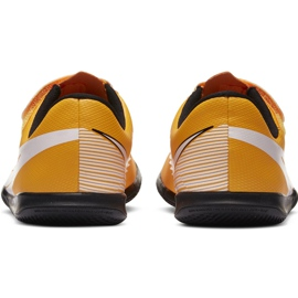 Chuteiras Nike Mercurial Vapor 13 Club Ic PS (V) Junior AT8170 801 branco preto laranja 2